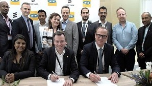 Giovanni Chiarelli, CTIO MTN South Africa and Nicolas Blixell, VP, Ericsson Middle East and Africa, at the contract signing